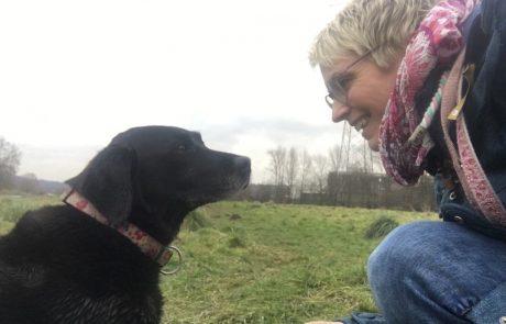 Dr. Tessa Brockhaus mit ihrem Hund